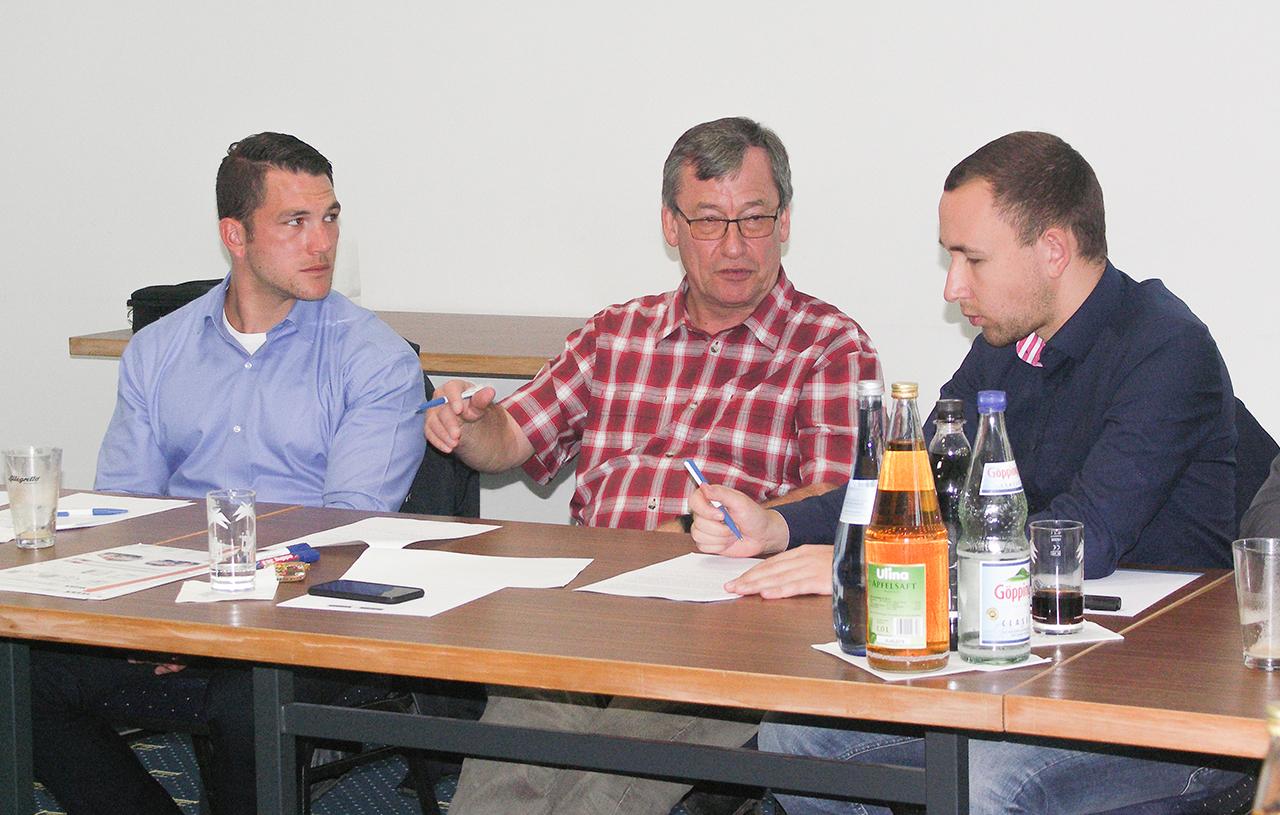 Fuehrungskraeftetraining Kommunikation Mitarbeitergespraeche Gespraechsfuehrung Seminar Stuttgart