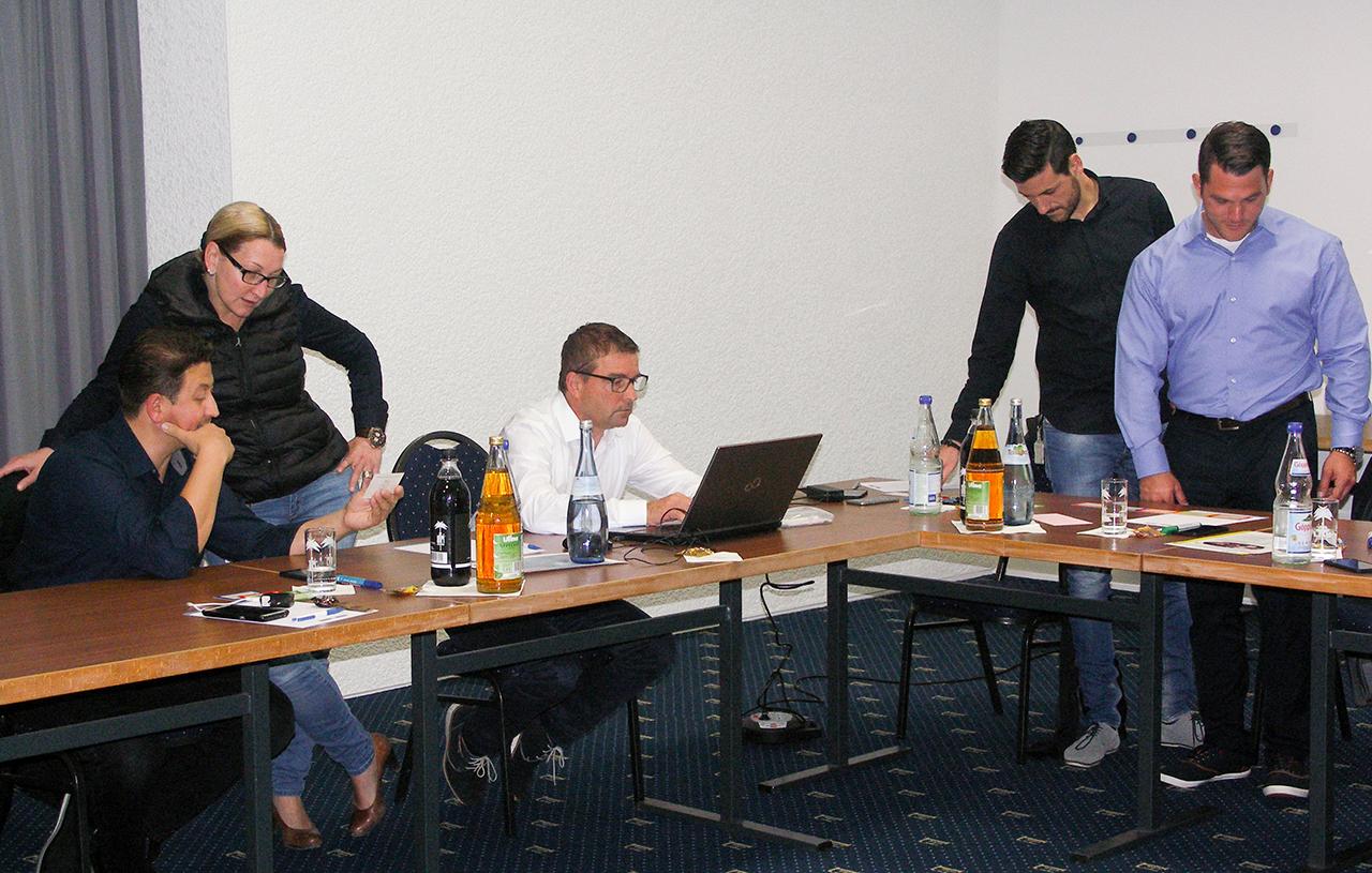 Fuehungskraeftetraining mittleres Management Sandwichposition Seminare Stuttgart