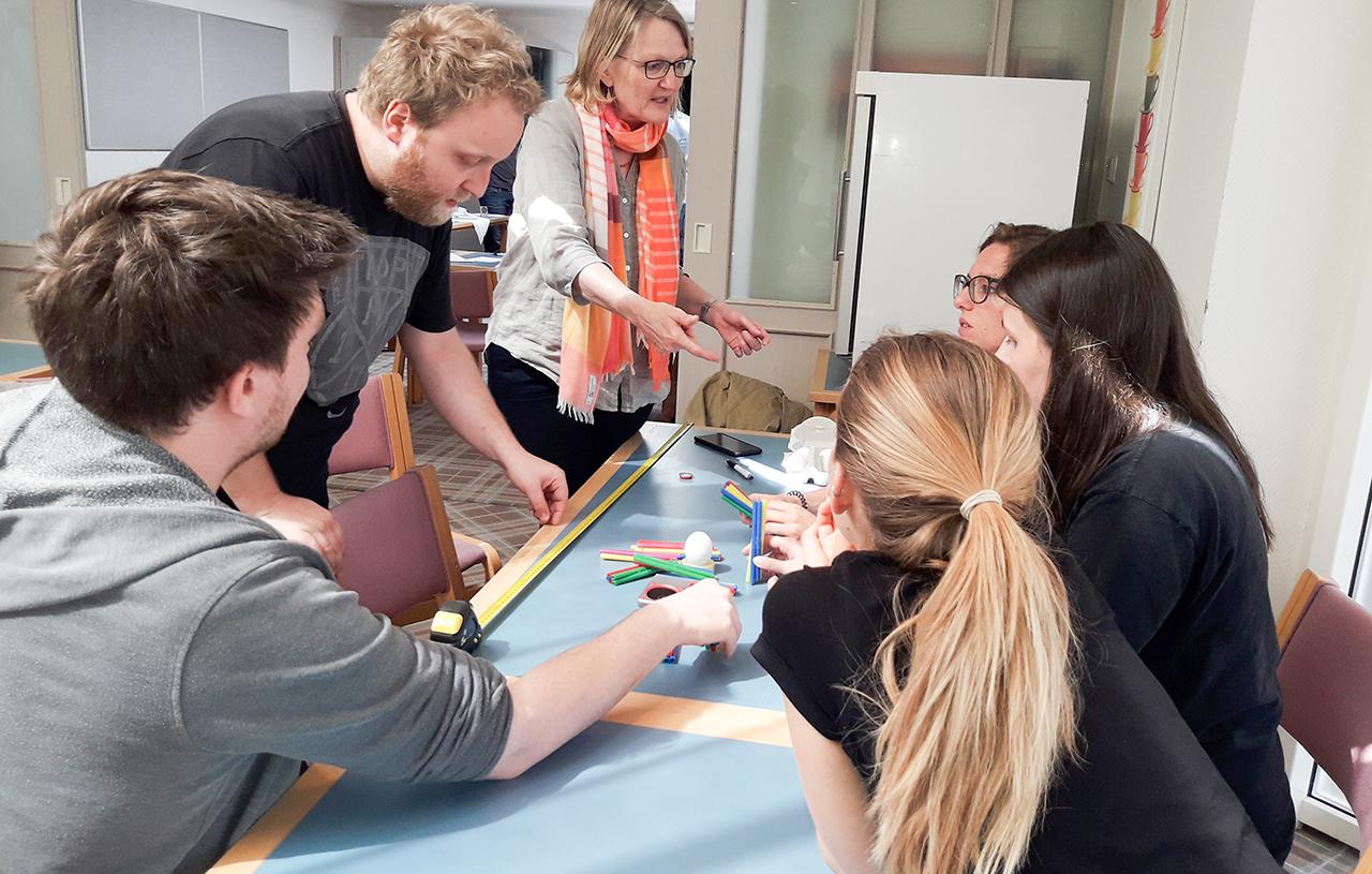 Teamentwicklung Seminare Training Kommunikation Gespraechsfuehrung Effiziente Zusammenarbeit